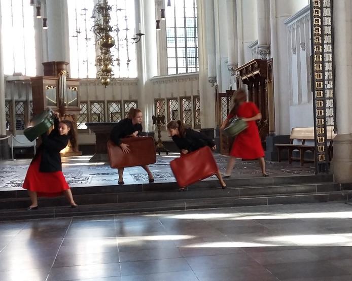 In de Stevenskerk danst dansersensemble ImproVI