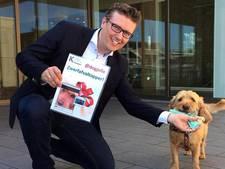 Hond Jelle krijgt beloning voor troep opruimen