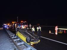 Auto over de kop geslagen op A12 bij Schaarsbergen