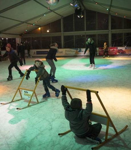 26.000 voetjes over het ijs in overdekte schaatsbaan Elst