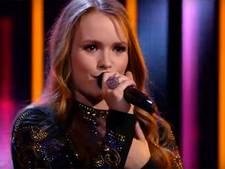 Spannend: Isabel Provoost gaat vanavond weer de strijd aan in The Voice (video)