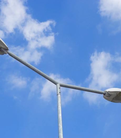 Lantaarnpalen worden veiliger voor verkeer in Renswoude