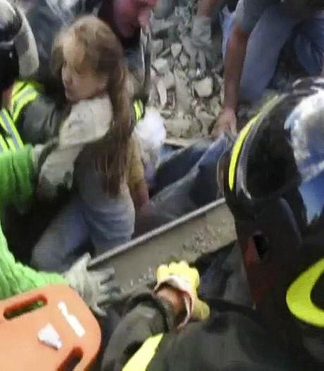Meisje (10) overleeft 17 uur onder puin aardbeving in Italië