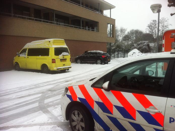 Het appartement boven bowlingcentrum Plasmolen aan Witteweg waar de vrouw werd gevonden.