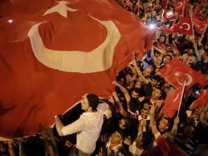 Dossier: Poging tot staatsgreep Turkije