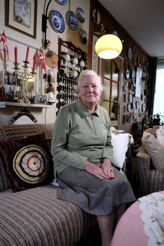 Mevrouw Willie Roseboom-Boeman koestert warme herinneringen aan haar uitzending als kind naar Denemarken.