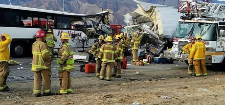 Elf doden door busongeluk in Californië