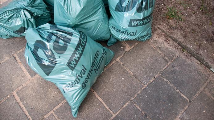 Afvalzakken van de Dar.