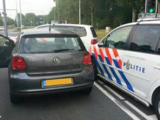 Politie rijdt gestolen auto klem