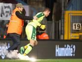 Duel Ajax-opponent Standard gestaakt na wangedrag fans