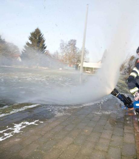 45.000 liter water en voilà, Kekerdom en Leuth hebben een ijsbaan