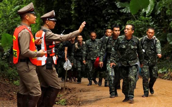 Eerste 4 jongens gered uit Thaise grot: reddingsoperatie opgeschort tot morgen