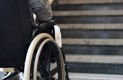Portugees zit 43 jaar onnodig in rolstoel na verkeerde diagnose