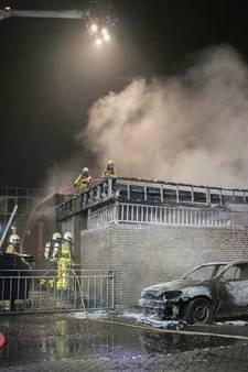 Auto en schuur verwoest door brand in Gendringen