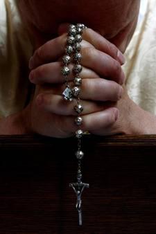 Kerk na aanslag: let op wie er naar de mis komt
