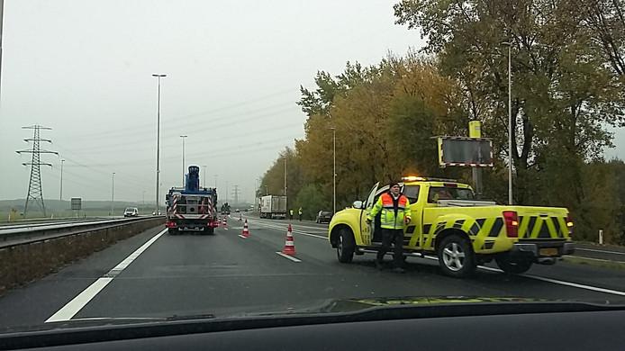 De A73 is vanwege het ongeluk afgezet.