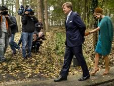 Koningspaar geniet van buitenleven in Twente