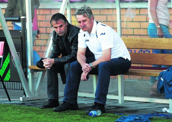 Doetinchem-trainer John Leeuwerik (links). Foto: Theo Kock