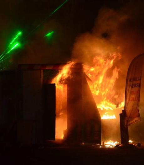 Twee zwaargewonden bij brand oliebollenkraam Huissen