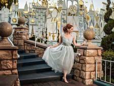 Gedumpte bruid doet verlovingsshoot in haar eentje