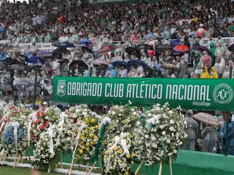 Chapecó bewijst slachtoffers ramp laatste eer