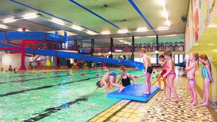 Het huidige Zwembad Valkenhuizen. Foto Marc Pluim