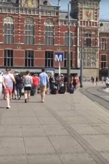 Amerikaanse backpacker moonwalkt door Europa
