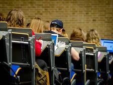Studenten Rotterdam en Maastricht verdienen later het meest