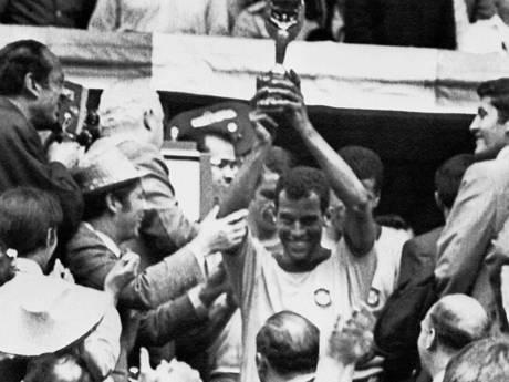 Braziliaanse voetballegende Carlos Alberto (72) overleden