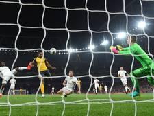 Walcott bezorgt met twee goals Arsenal de zege