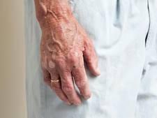 Man (72) ligt drie dagen gewond in zijn woning