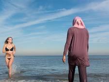 Tilburgse organiseert boerkini-dag op Schevenings strand