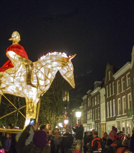 Kleine versie Sint Maarten Parade in Leidsche Rijn