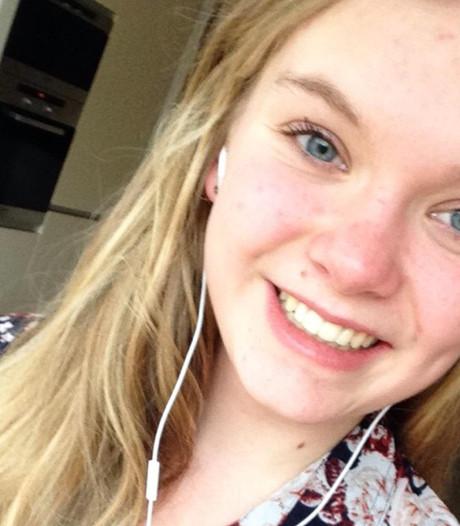 Laura (16) achtste van de wereld in Excel