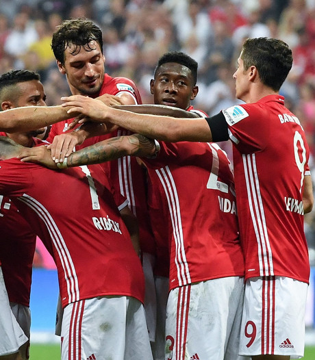 Bayern start met monsterzege op Werder