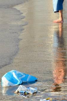 Van stukken plastic visnet tot sigaretten