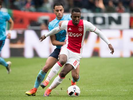 'Bazoer voor twaalf miljoen van Ajax naar Wolfsburg'