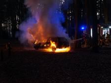 Auto vliegt in brand tijdens rit tussen Westendorp en Varsseveld