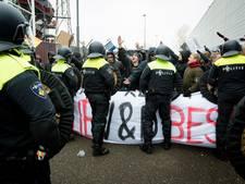 Feyenoordsupporters voor rechter voor aanval stewards