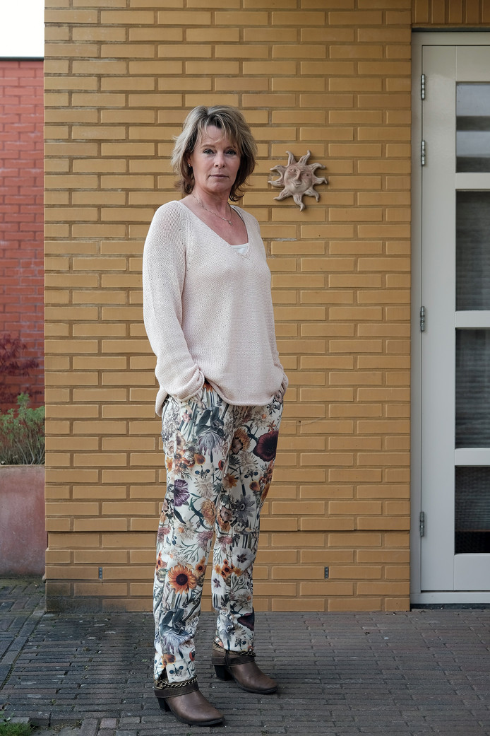 Schrijfster Corine Hartman.