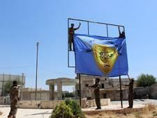 'YPG-strijders graven zich in Manbij in'