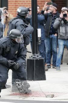 LIVE: Politie rukt uit bij massale demonstraties