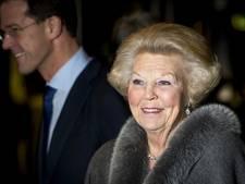 'Prinses Beatrix en premier Rutte naar uitvaart Peres'
