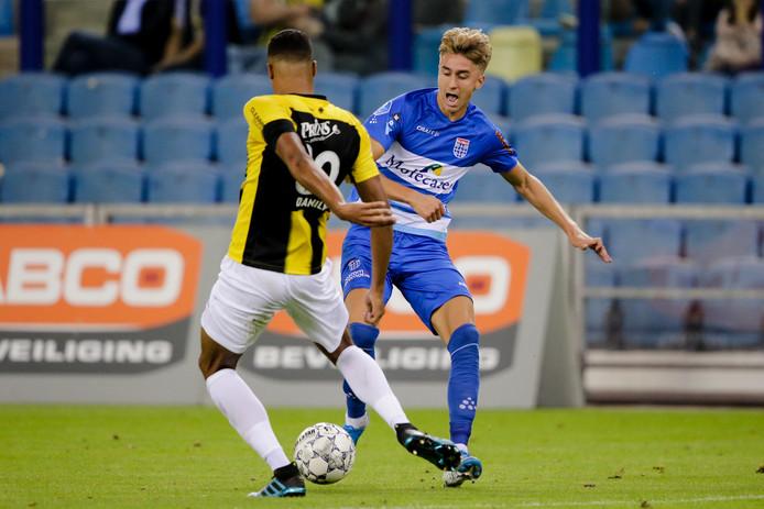 (L-R) Danilho Doekhi of Vitesse, Dennis Johnsen of PEC Zwolle during Vitesse - PEC Zwolle NETHERLANDS, BELGIUM, LUXEMBURG ONLY COPYRIGHT BSR/SOCCRATES