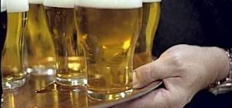 Waarschuwing voor 'doorgeven biertjes' in schutterstent De Horst
