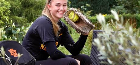 Sophie Verdaasdonk Europees kampioen softbal voor teams tot en met 16 jaar