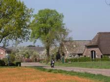 Vroeger woonden hier arme boeren, nu staan er riante dure huizen
