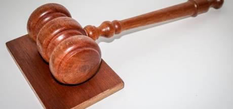 Inwoner Aardenburg krijgt na 30 jaar straf voor seks met dochter