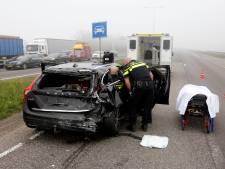 Gewonde gevallen bij botsing tussen vrachtwagen en auto op de N3