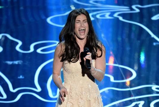 Idina Menzel tijdens haar optreden bij de Oscars.